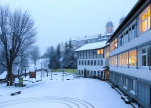 Pausenhof im Schnee
